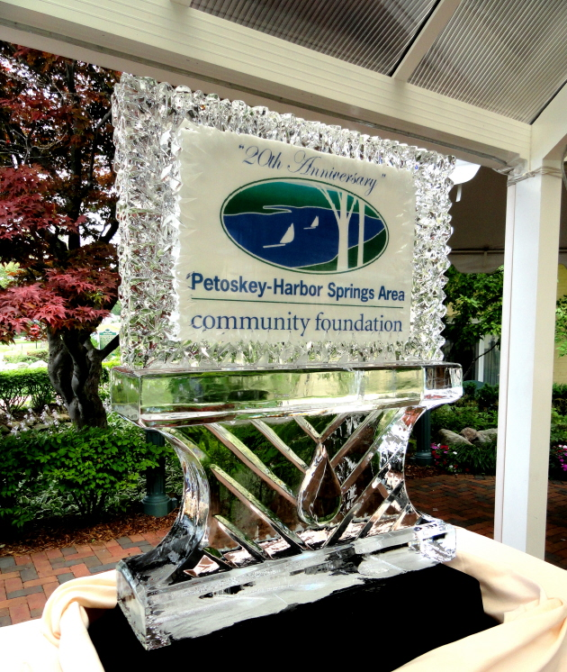 Petoskey Harbor springs Community Foundation Ice Sculpture, michigan ice sculptures, ice impressions, petoskey ice sculptures, ice sculptures, ice sculpture, ice carving, ice carvings, michigan ice sculptures, ice sculptures michigan