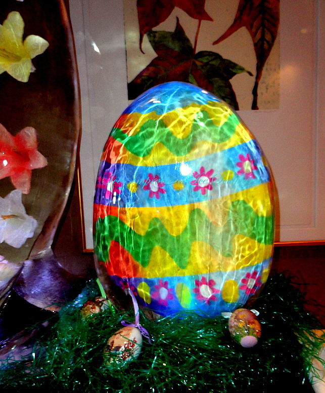 Easter egg Ice Sculpture, Easter egg Ice Carving, Ice Impressions, Ice Impressions Ice Sculptures.