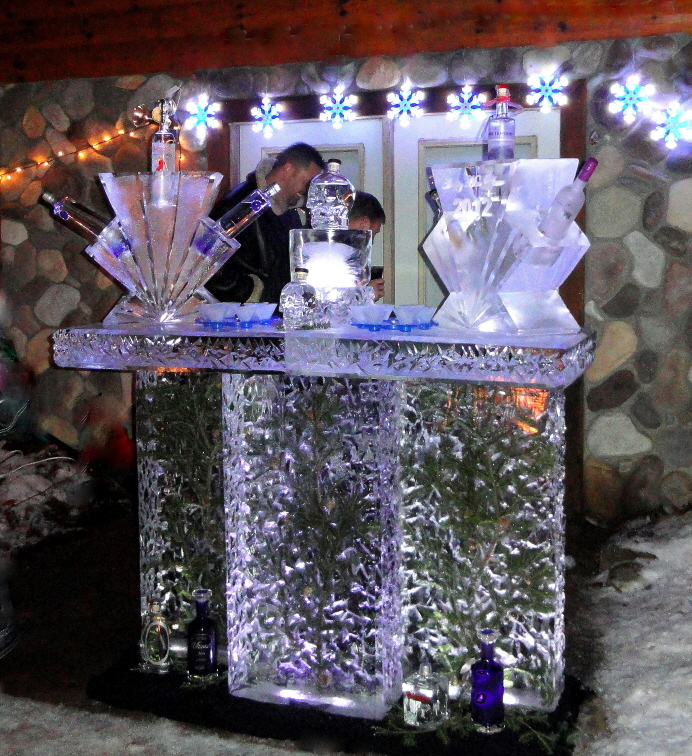 Ice Bar, Ice Bars, Ice Sculptures, Ice Sculpture, Ice Carving, Ice Carvings, Northern Michigan Ice Bar, Ice Impressions.