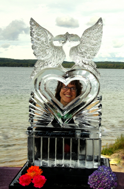 Love Birds Ice Sculpture, Wedding Decor Ice Sculptures, Luxury Wedding Ice Sculptures, Ice Sculptures for Weddings. Wedding Ice Sculpture, Northern Michigan Ice Sculpture, Ice Impressions, Ice Carving for Weddings, Ice Carving, Ice Carvings, Northern Michigan Weddings.