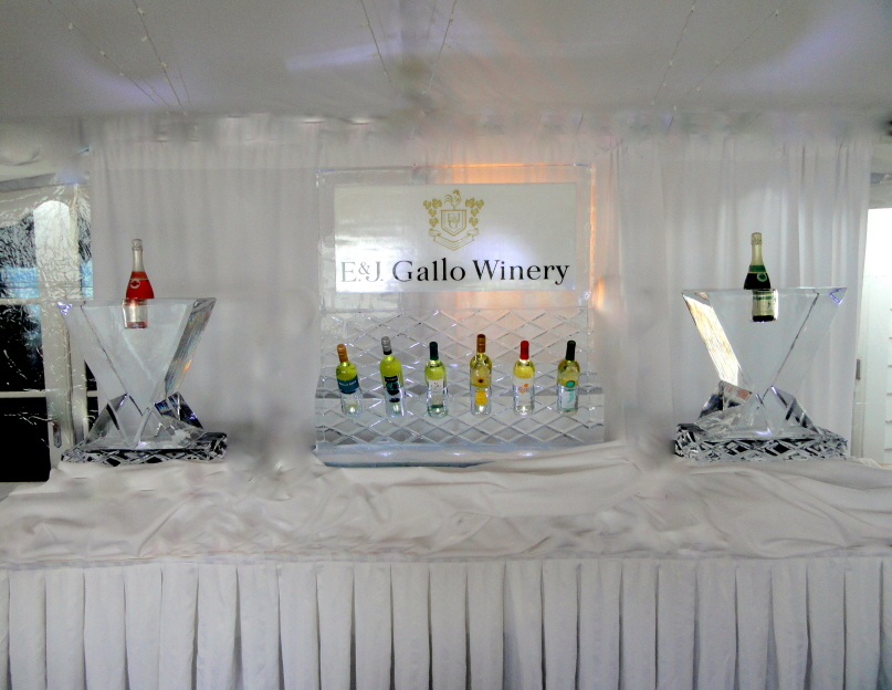 Spectacular Ice Sculpture Presentation, Brand Promotions, special event promotions, ice sculptures, michigan ice bar, michigan ice sculptures, bottle chiller ice sculptures