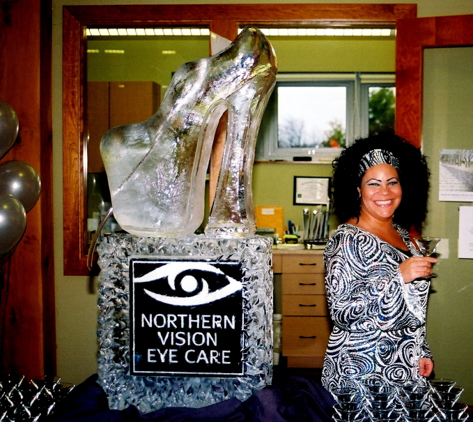 Ice Carvings, Ice Carving, Ice Sculptures, Ice Sculpture, Shoe Ice Sculpture, Ice Sculpture Luge, Shoe Ice Luge.