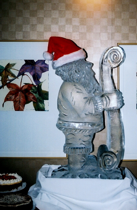 Santa, Santa Ice Sculpture, Santa Ice Carving, Ice Impressions.